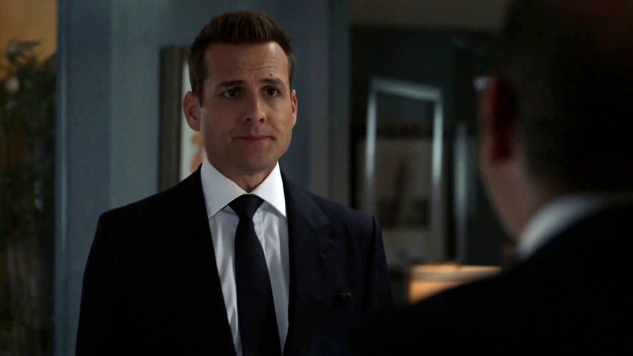 Suits: Louis And Harvey Apologize, Share Prunies