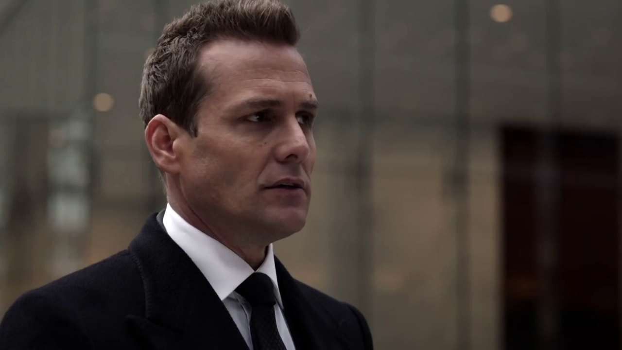 Suits: Harvey Is Forced To Bluff