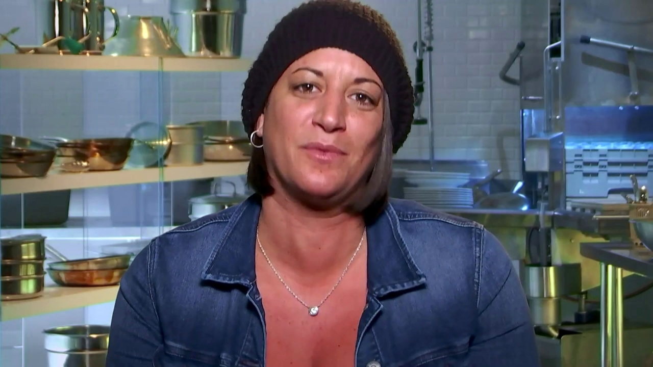 Hell's Kitchen: Mia Makes Her Own Menu