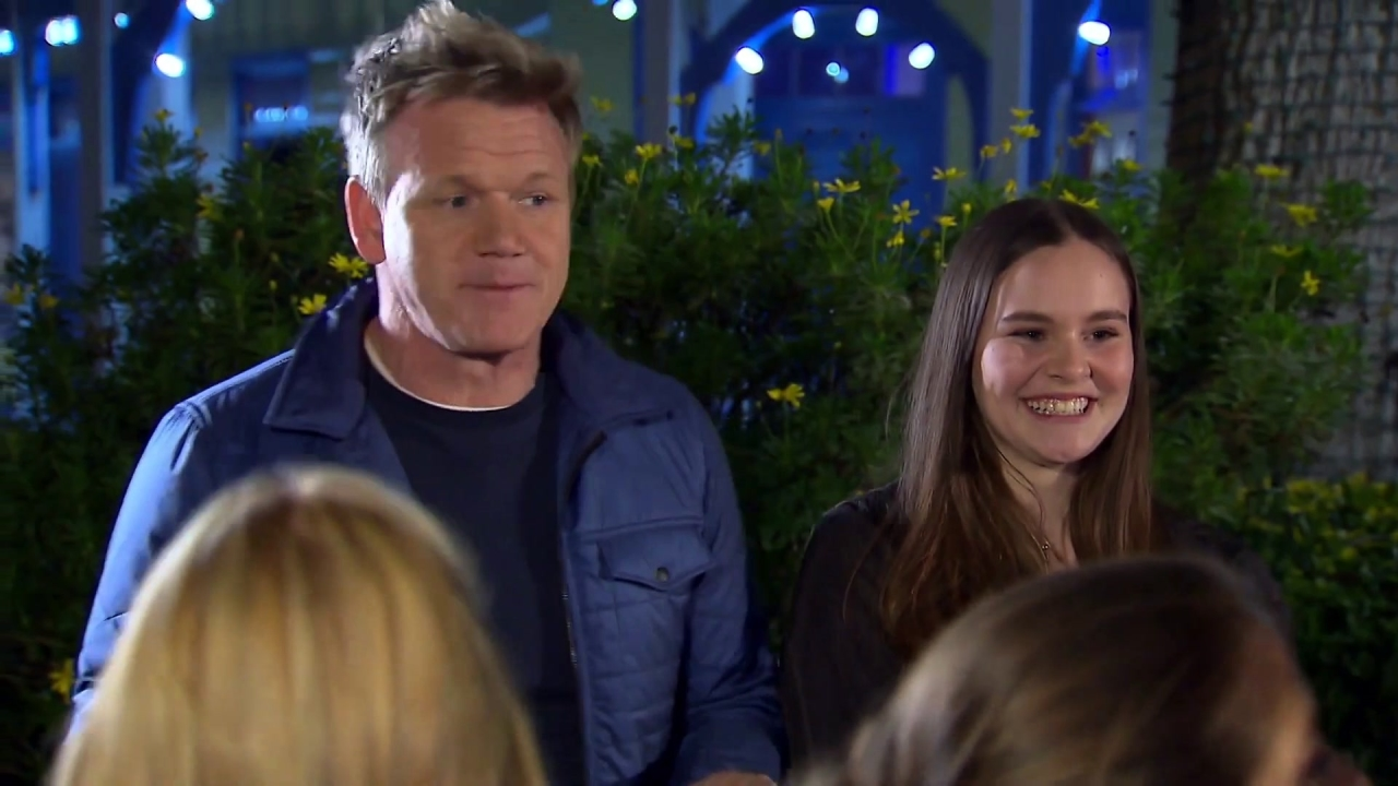 Hell's Kitchen: Gordon Meets The Final Two At Six Flags