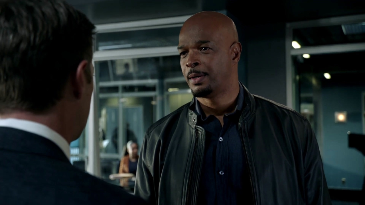 Lethal Weapon: Roger Is Worried His Past Will Come Back To Haunt Him