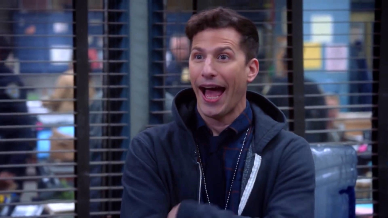 Brooklyn Nine-Nine: There's Sexual Tension Between Holt And His New Assistant