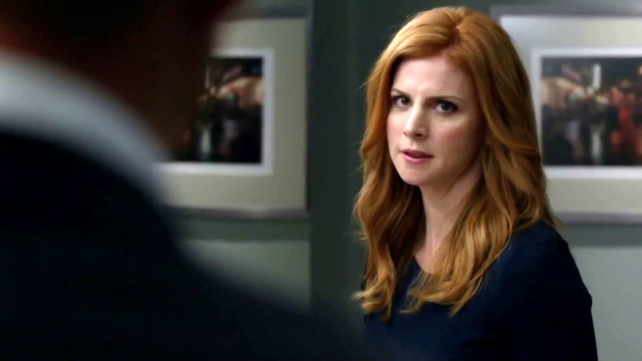 Suits: Harvey Refuses To Fire Donna