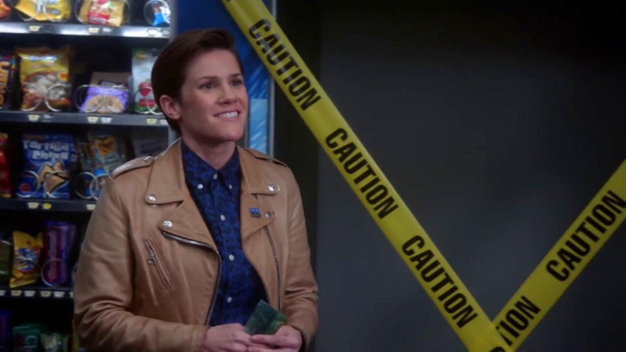 Brooklyn Nine-Nine: Holt Finally Meets Rosa's New Girlfriend