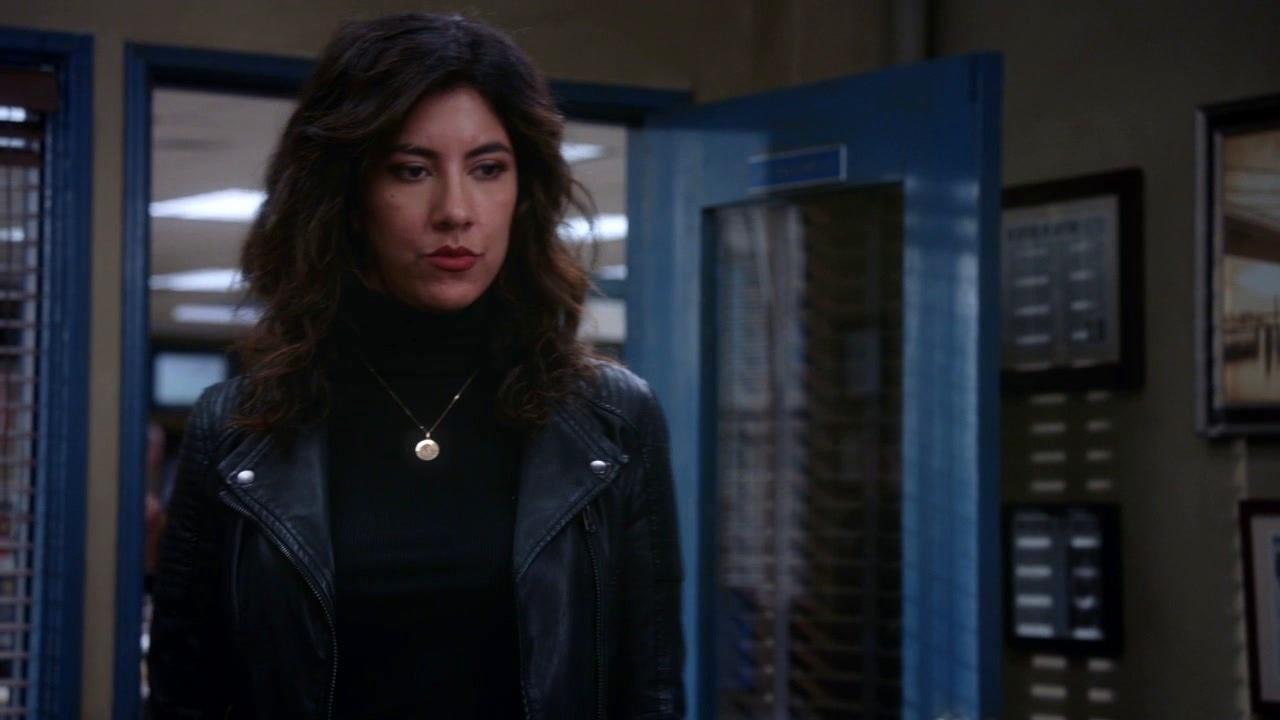 Brooklyn Nine-Nine: Holt Wants To Meet Rosa's New Girlfriend