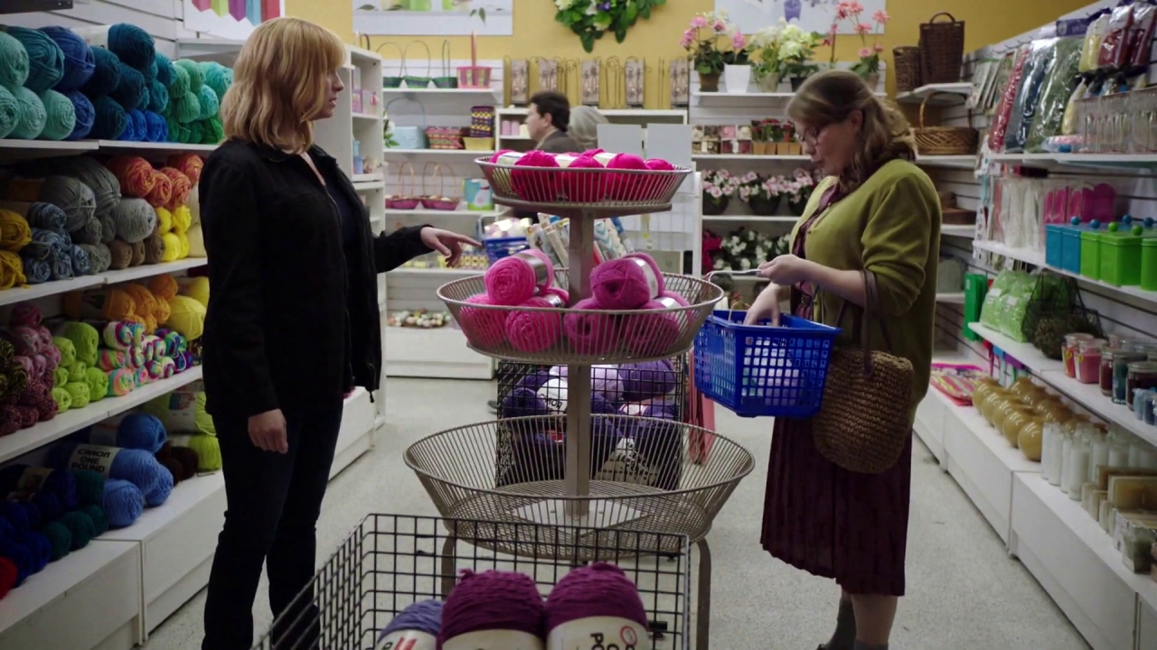 Good Girls: Beth Loses It In The Yarn Store