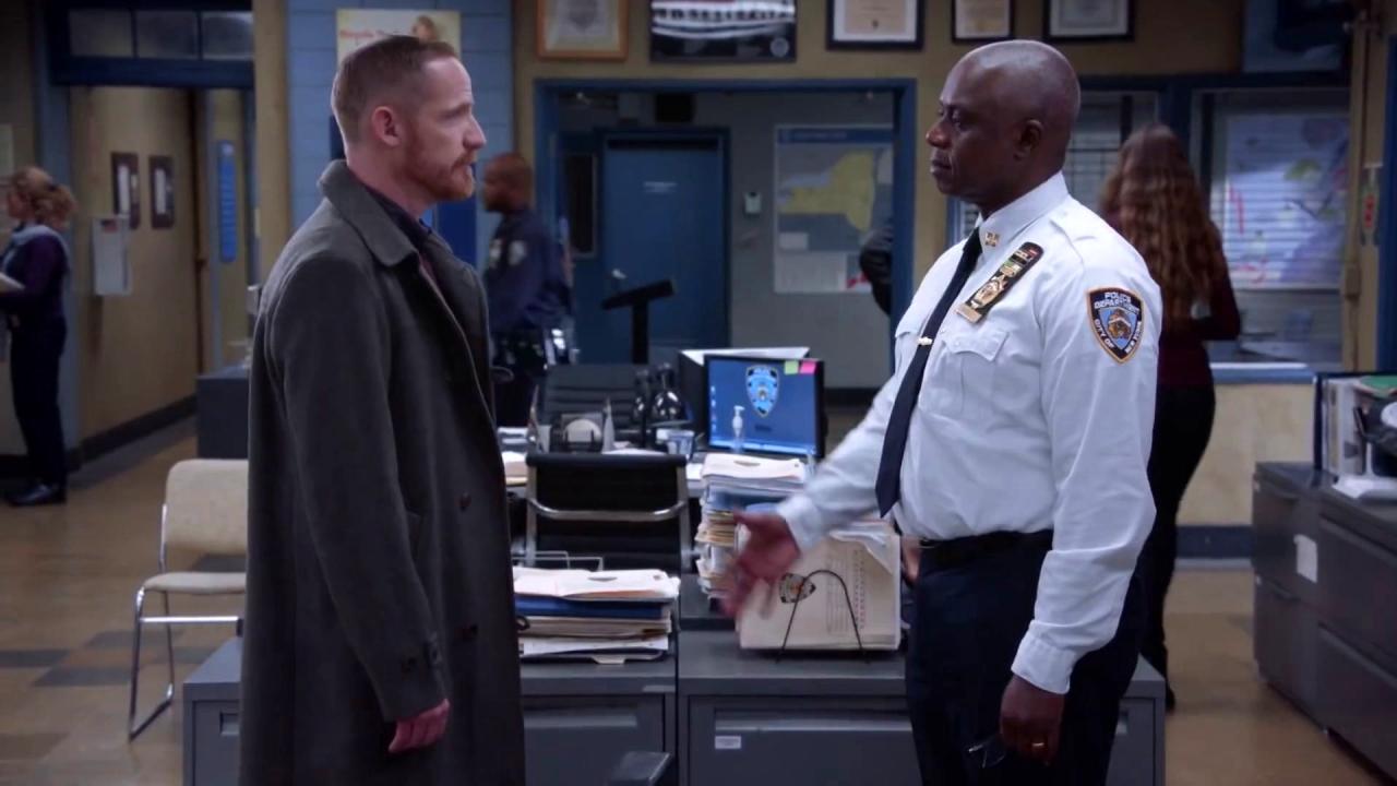 Brooklyn Nine-Nine: Kevin Needs Jake's Help