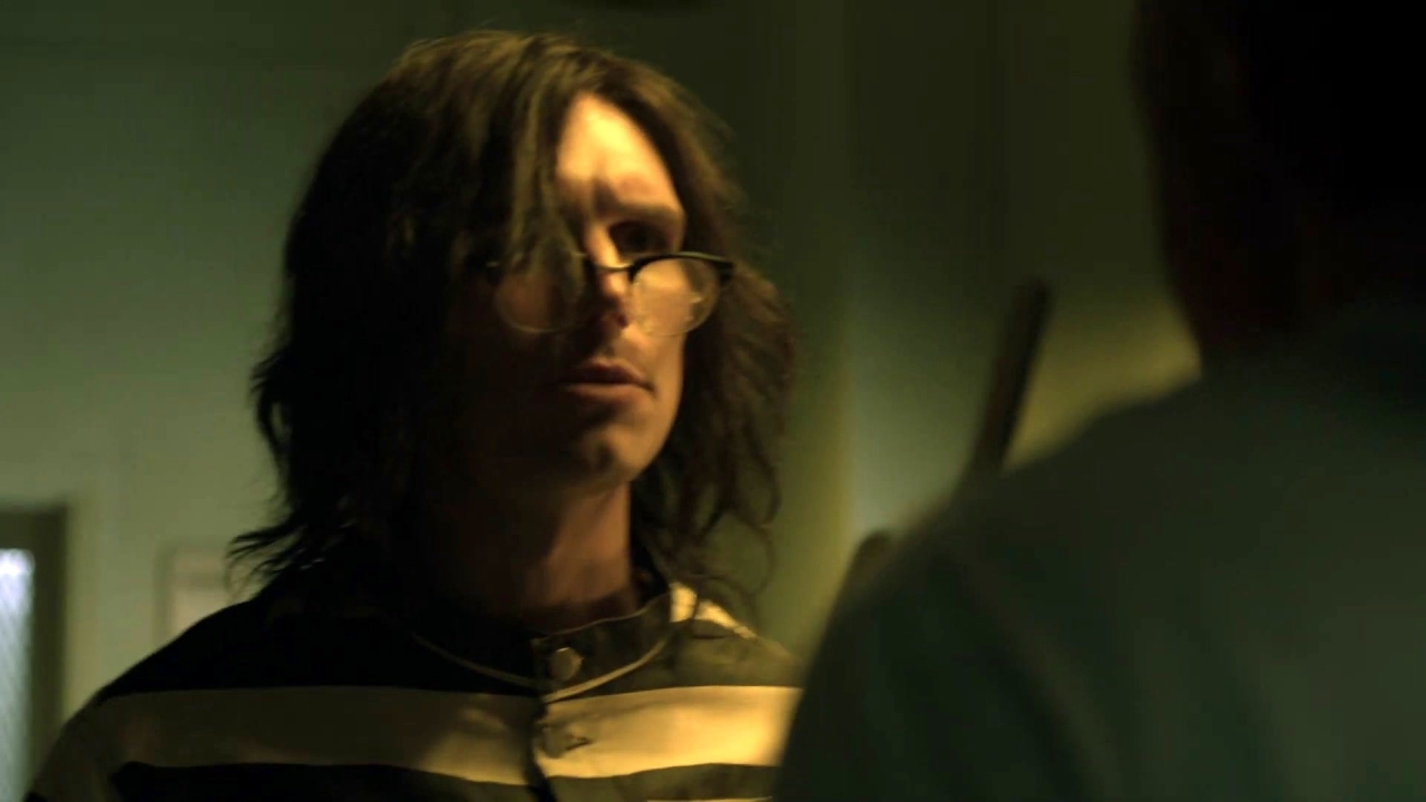 Gotham: Nygma Stabs A Comatose Jeremiah In The Leg