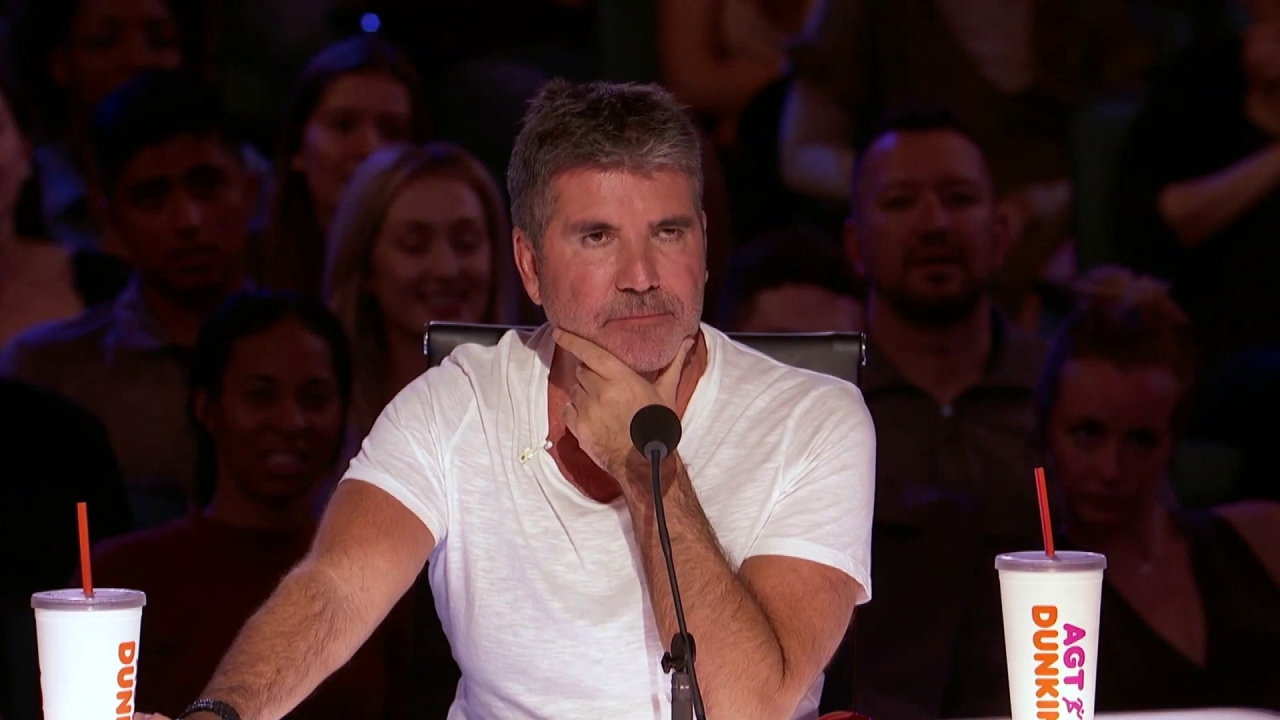 America's Got Talent: Comedian Pulls Out Burger And Fries From Bra, Feeds The Judges