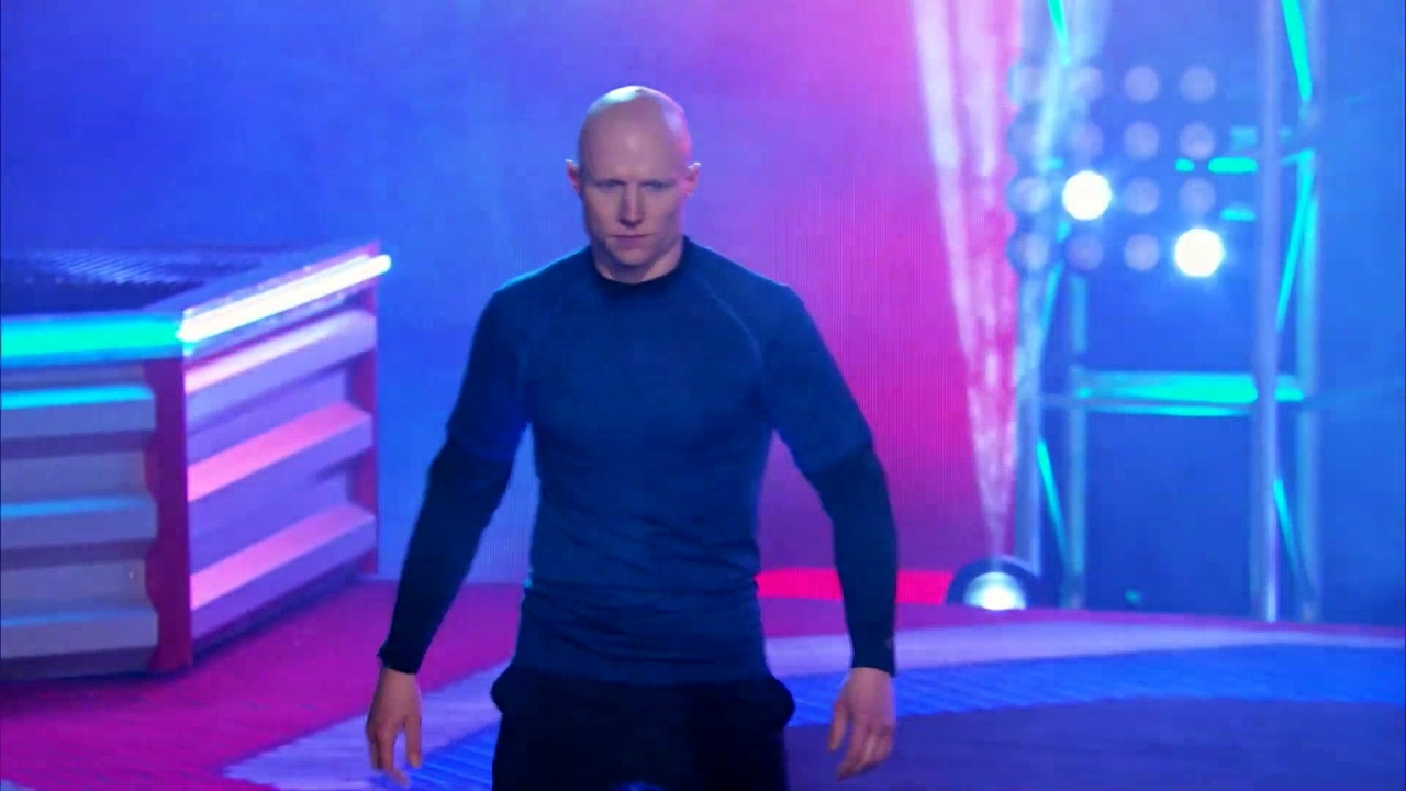 American Ninja Warrior: Kevin Bull Takes The Course By The Horns