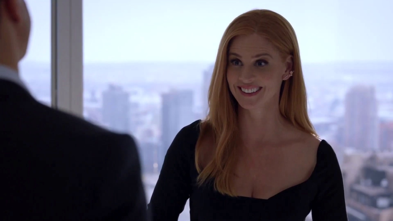 Suits: Donna Has An Emotional Encounter With Thomas