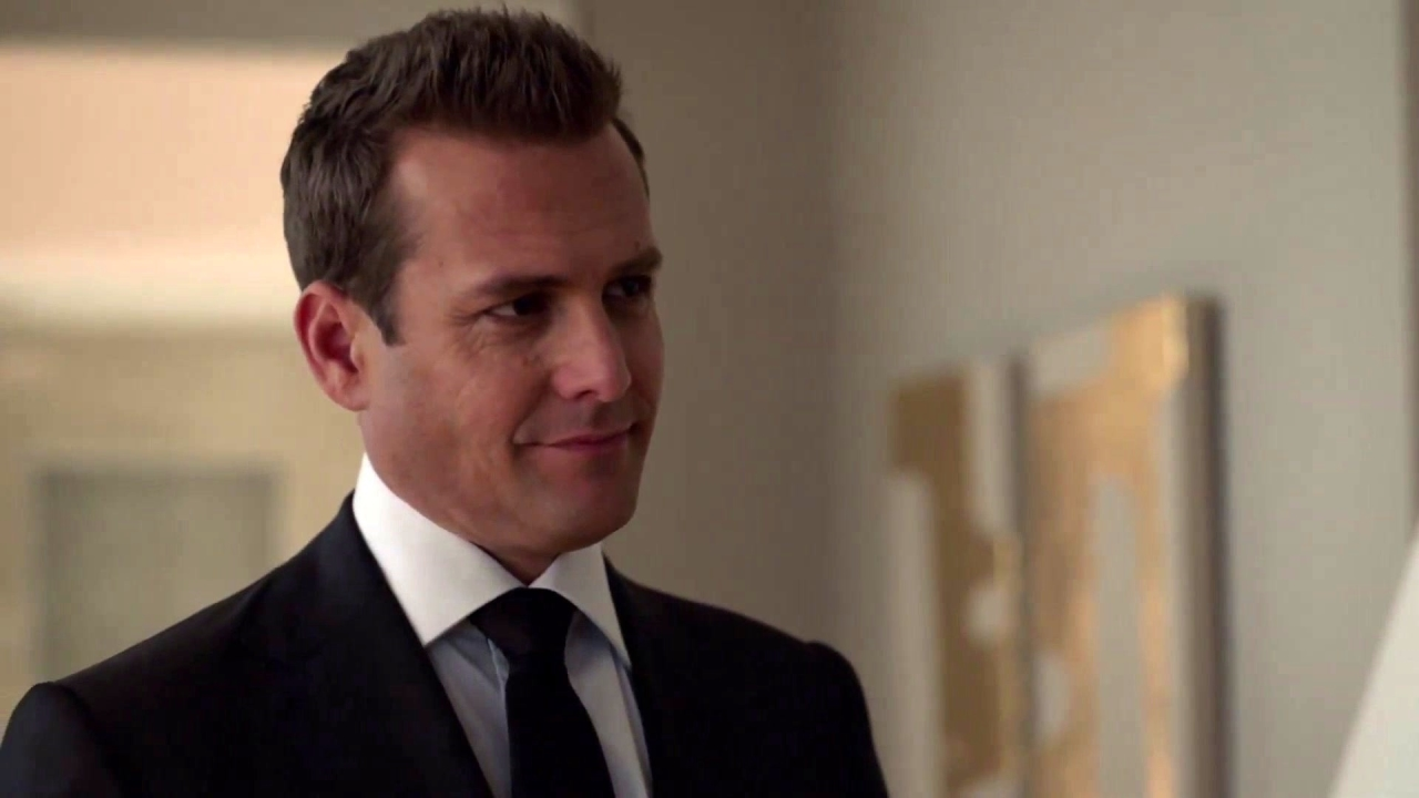 Suits: Harvey Prepares To Re-Meet Donna's Dad