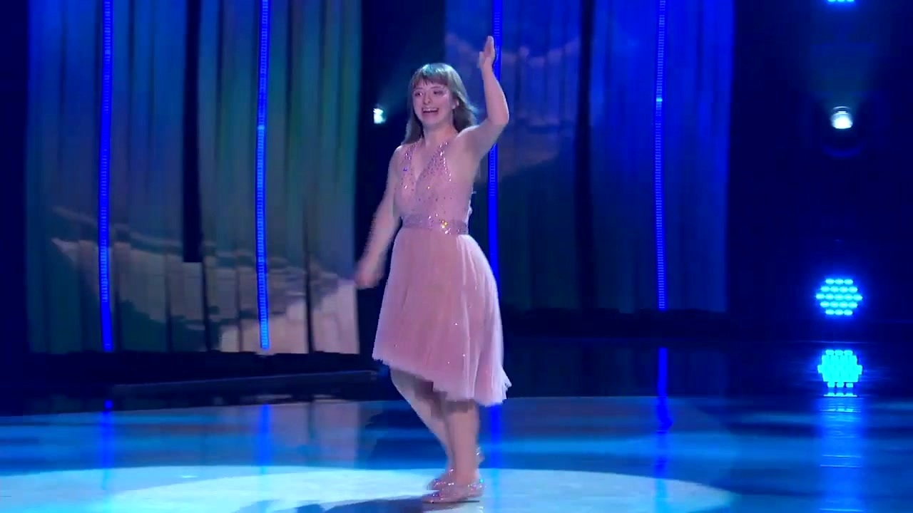 So You Think You Can Dance: Special Guest Phoebe Performs To Me!