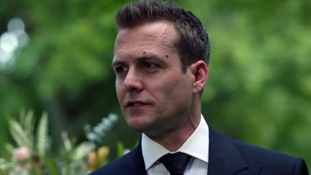 Suits: Harvey Gives His Mother's Eulogy