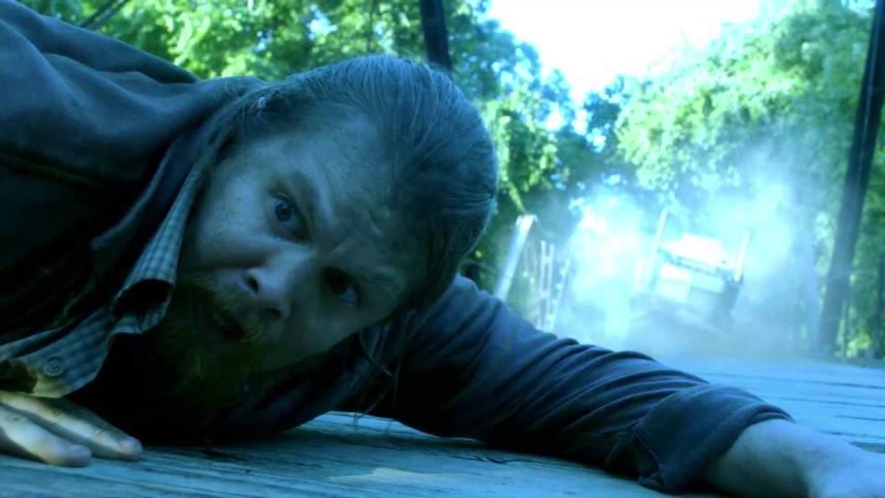 Fear The Walking Dead: Trapped On A Bridge