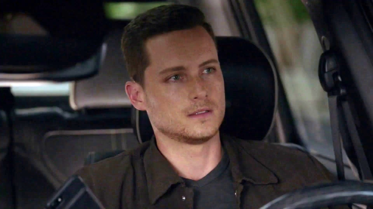 Chicago P.D.: Halstead And Brennan Draw Guns On Each Other