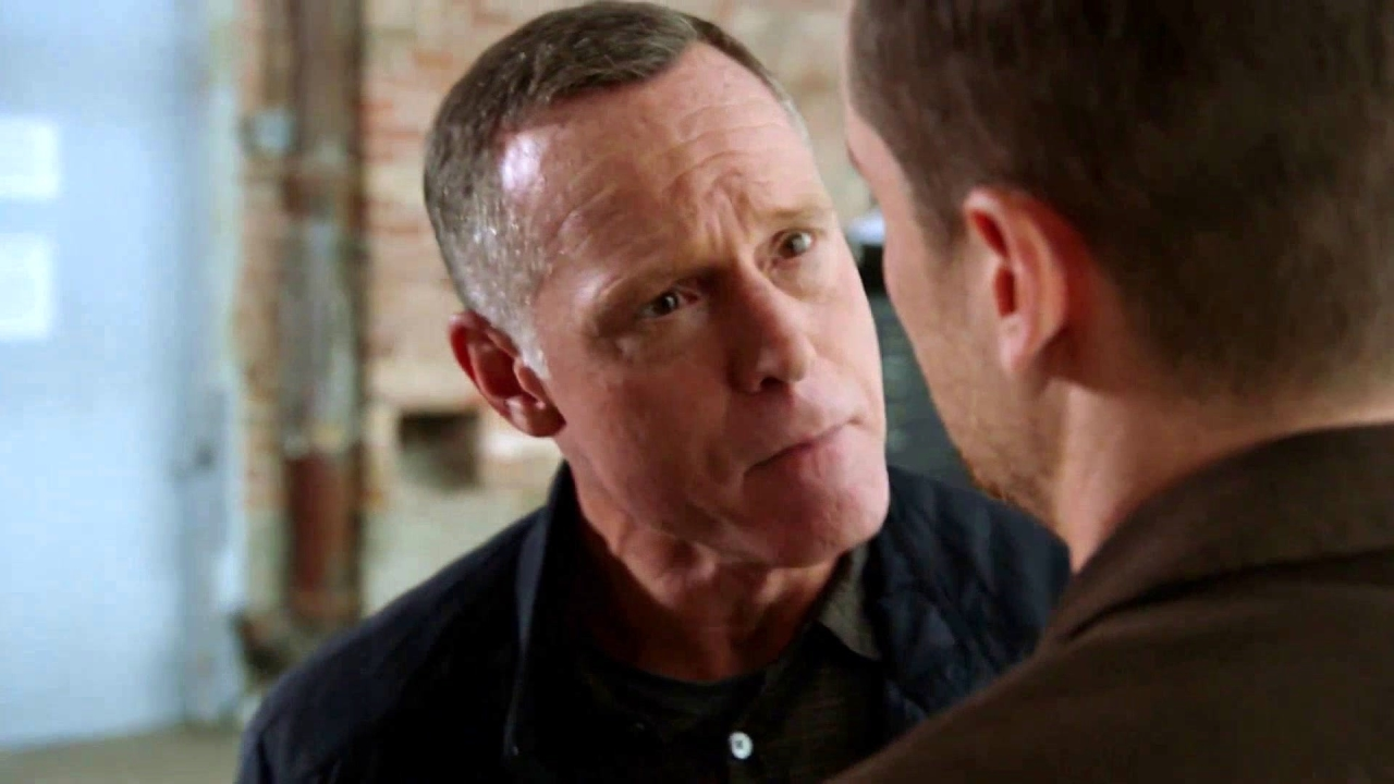Chicago P.D.: Voight And Halstead Get In Each Other's Faces About Trust