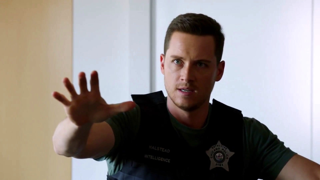 Chicago P.D.: You Are Going To Cut Yourself!