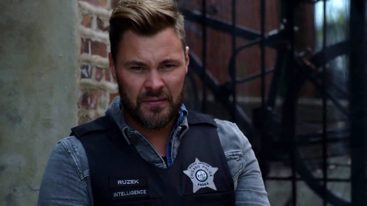 Chicago P.D.: Stay Down!