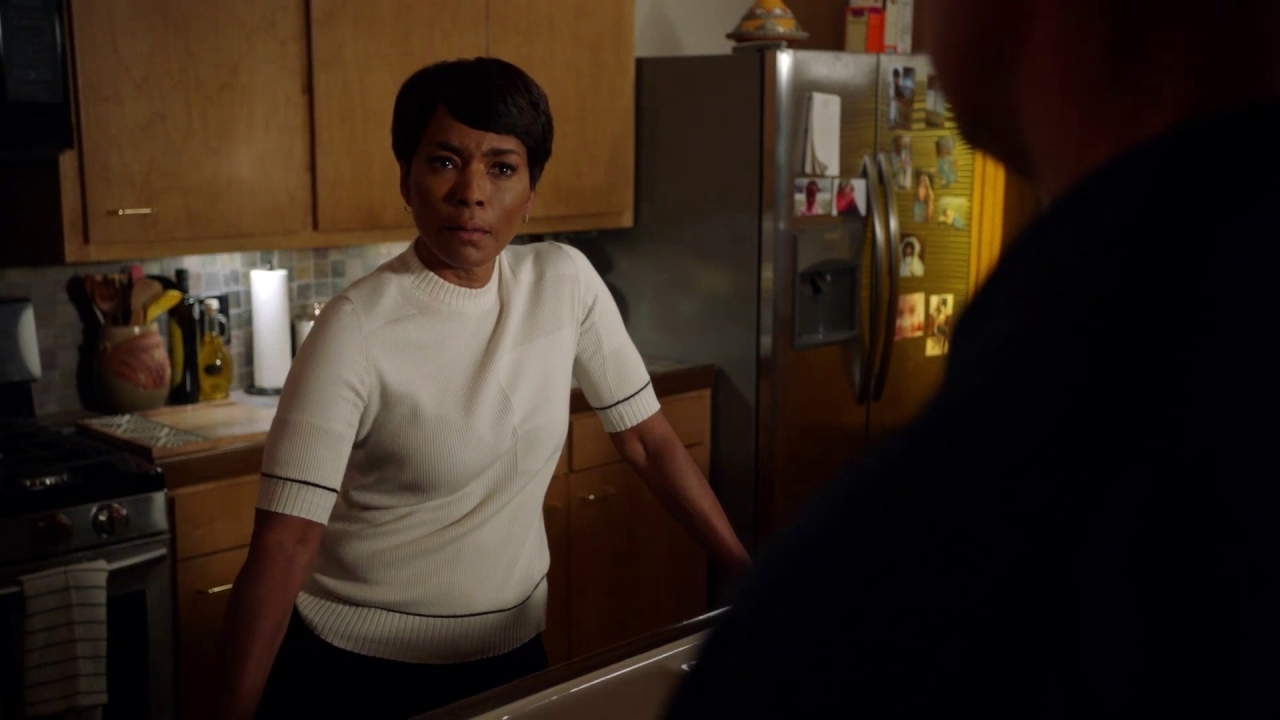 9-1-1: Bobby Confronts About Athena Going After The Killer