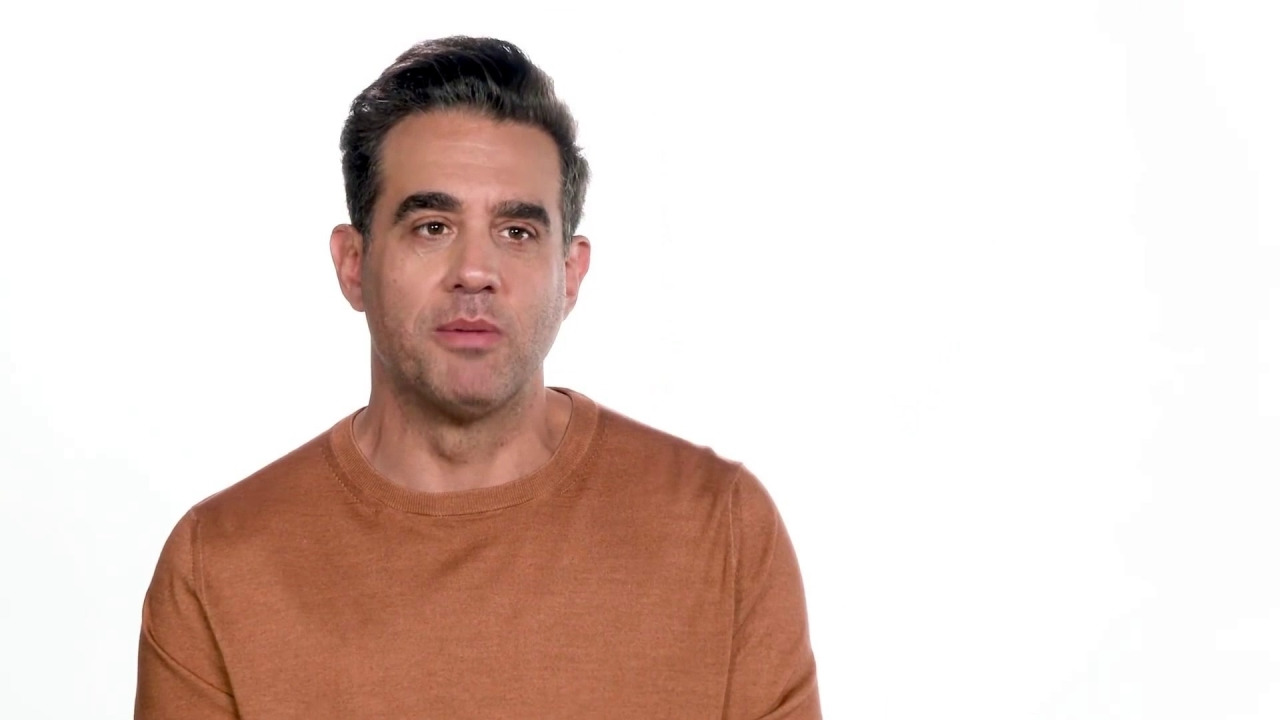The Irishman: Bobby Cannavale On Working With Scorsese (Featurette)