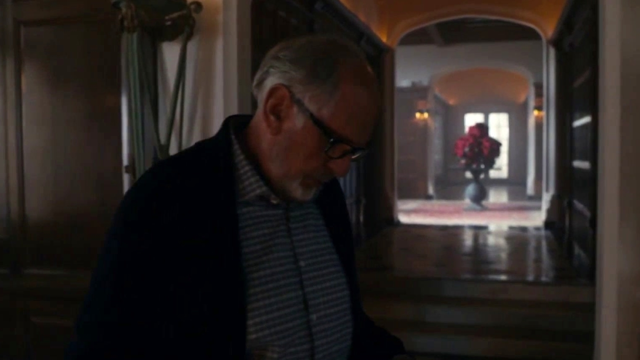 Mr. Robot: Price Informs Elliot That Meeting Is Still On