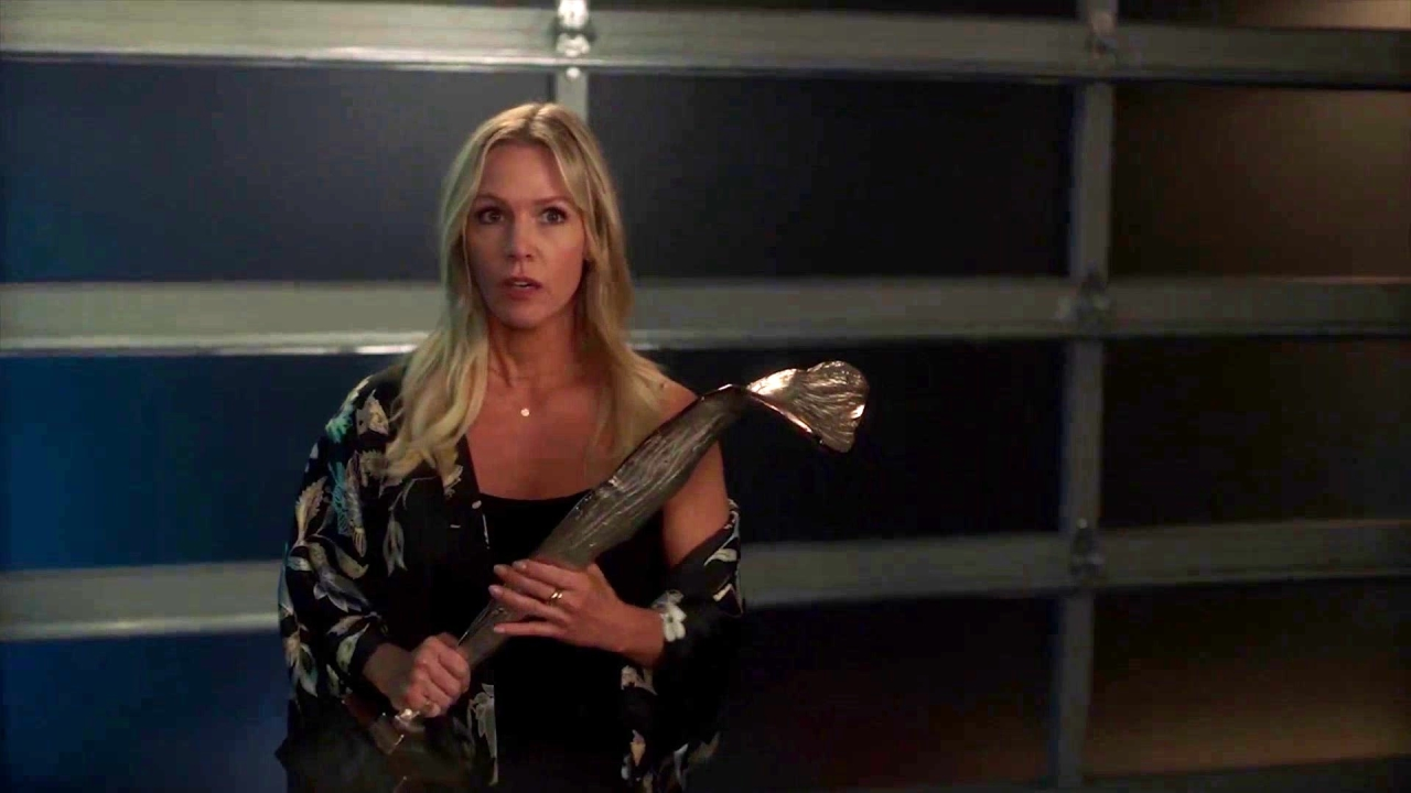 Bh90210: Jennie's Bodyguard Gives Her Reassurance