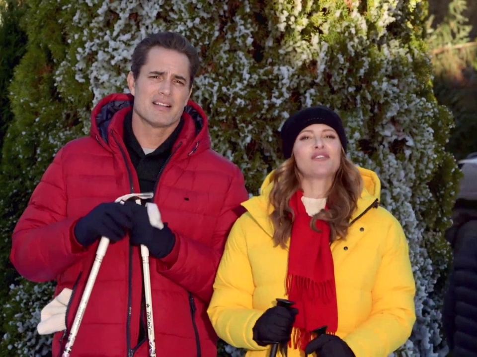 Hearts Of Winter: On Location With Jill Wagner And Victor Webster (Featurette)