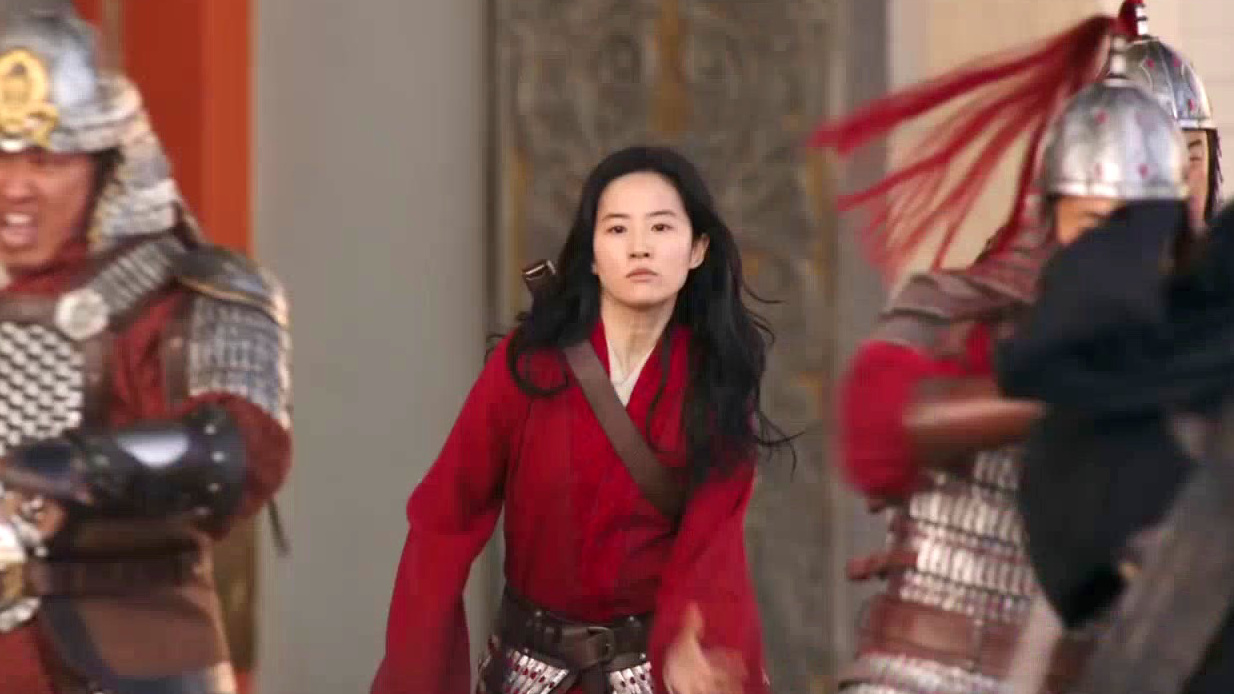 Mulan: Stunts (Featurette)