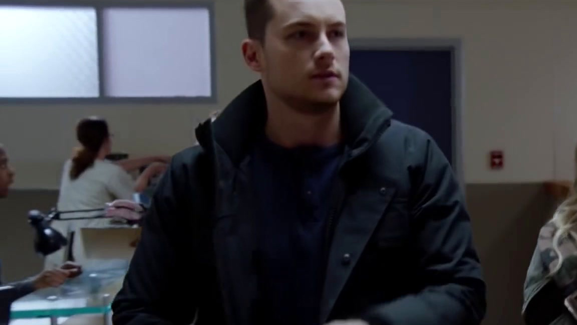 Chicago P.D.: Halstead And Upton Respond To An Intense Armed Robbery