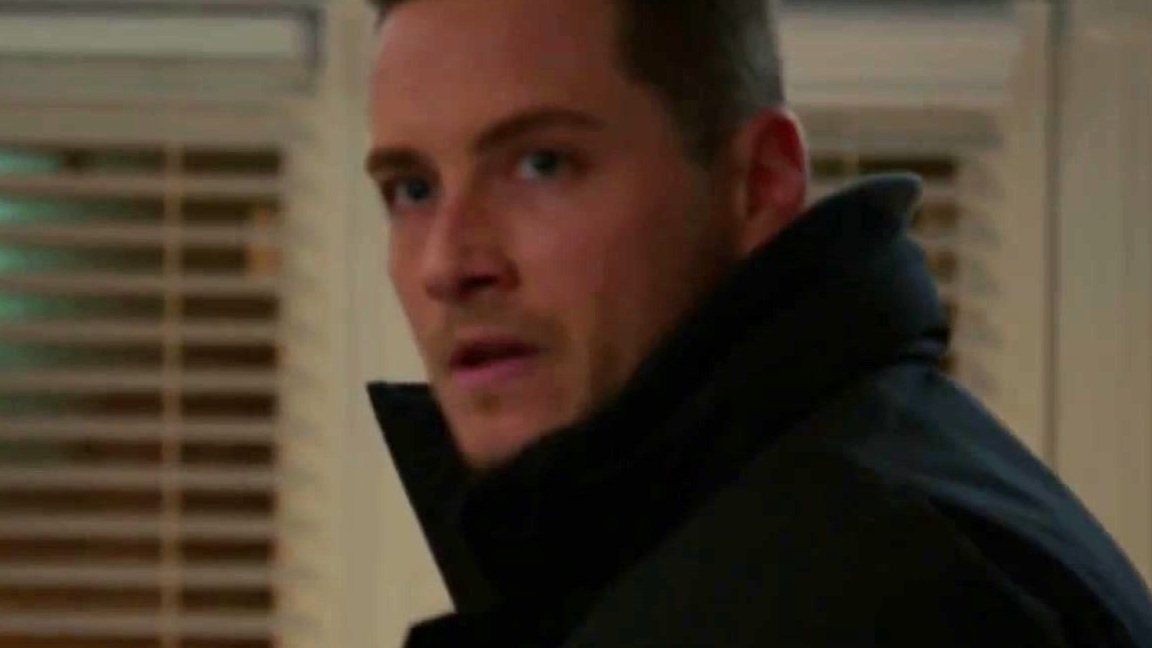 Chicago P.D.: Halstead Comes To Blows With A Woman's Abuser