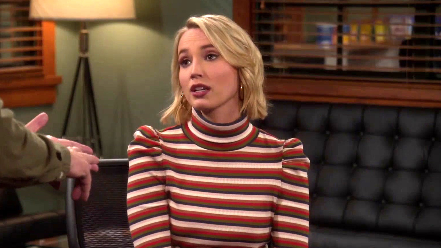 Last Man Standing: Mandy Asks Mike For Marriage Advice
