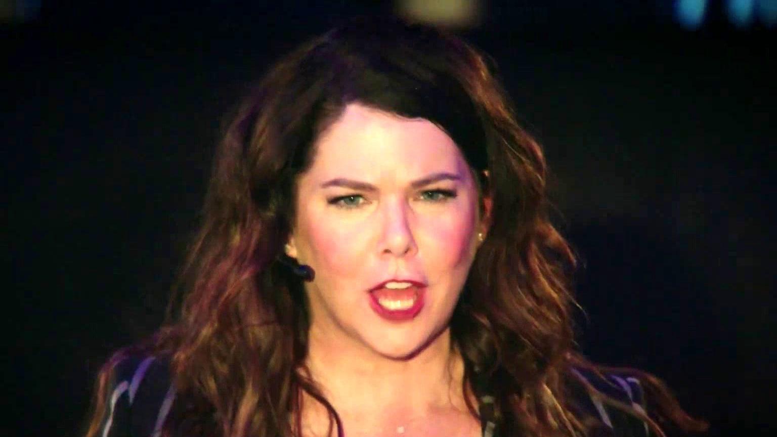 Zoey's Extraordinary Playlist: Lauren Graham As Joan Sings Katy Perry's Roar