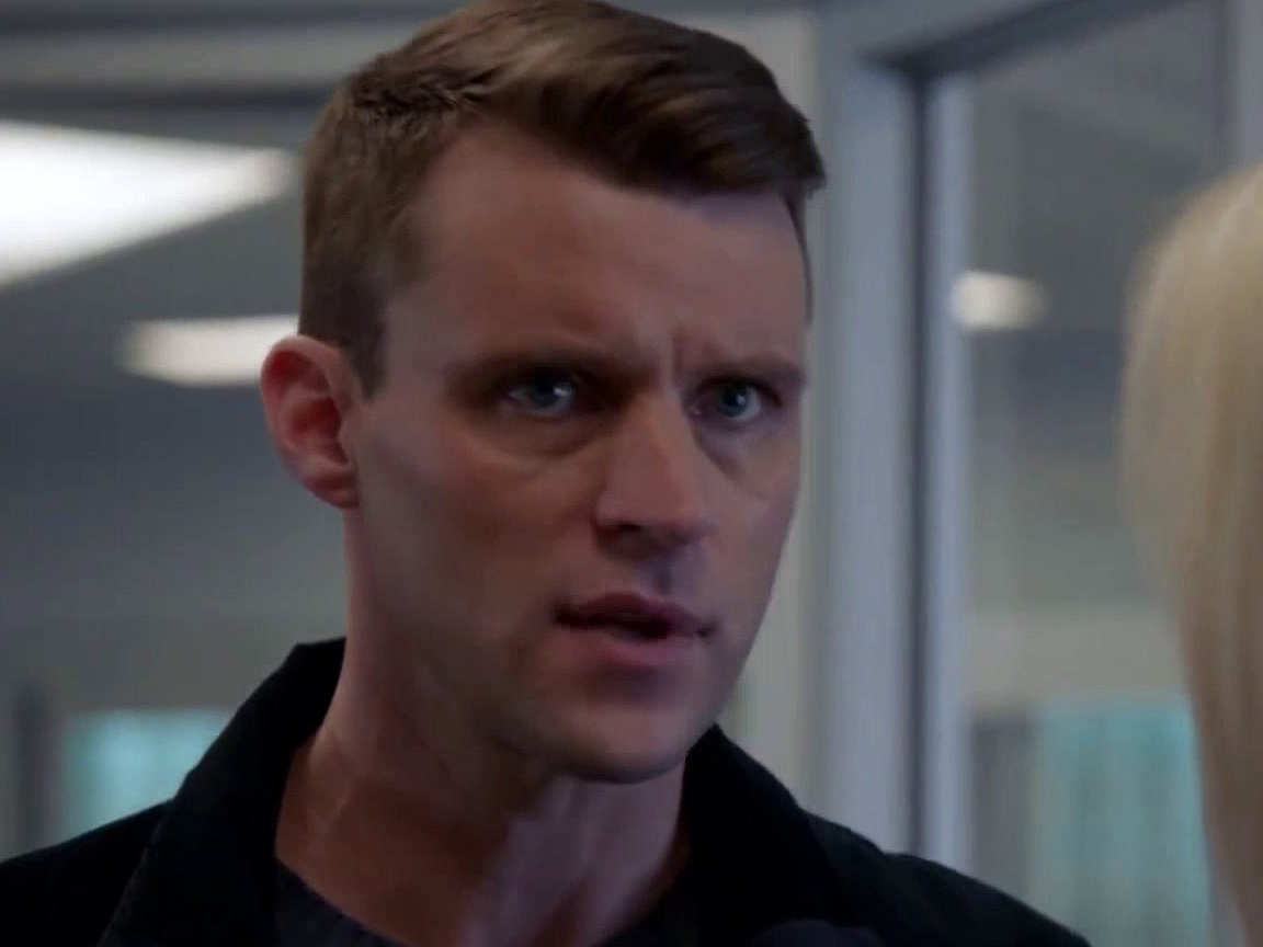 Chicago Fire: Brett Awaits News As Her Pregnant Birth Mother Has A Complicated Delivery