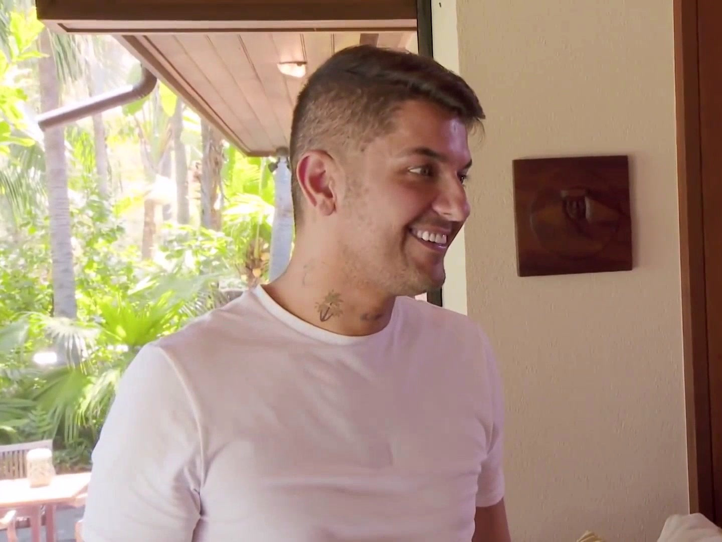 Shahs of Sunset: GG and Nema Have a Hot Tub Moment