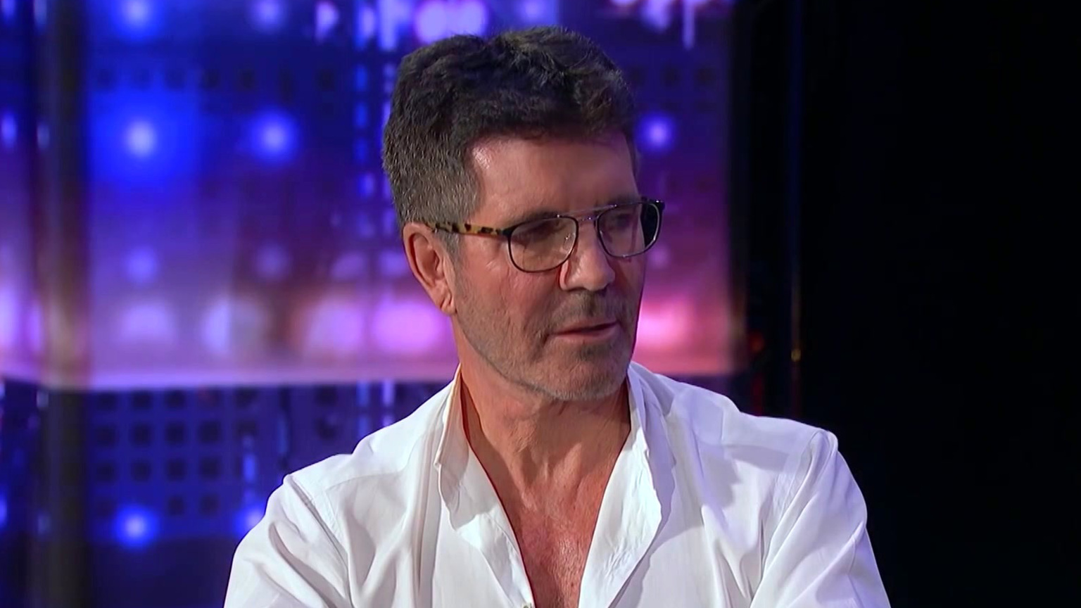 America's Got Talent: Simon Cowell Controls Howie Mandel's Mind