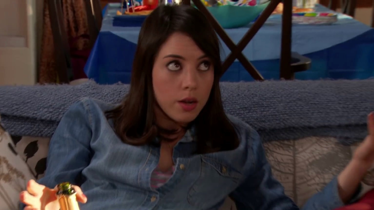 Parks And Recreation: April Breaks Up Ann And Tom