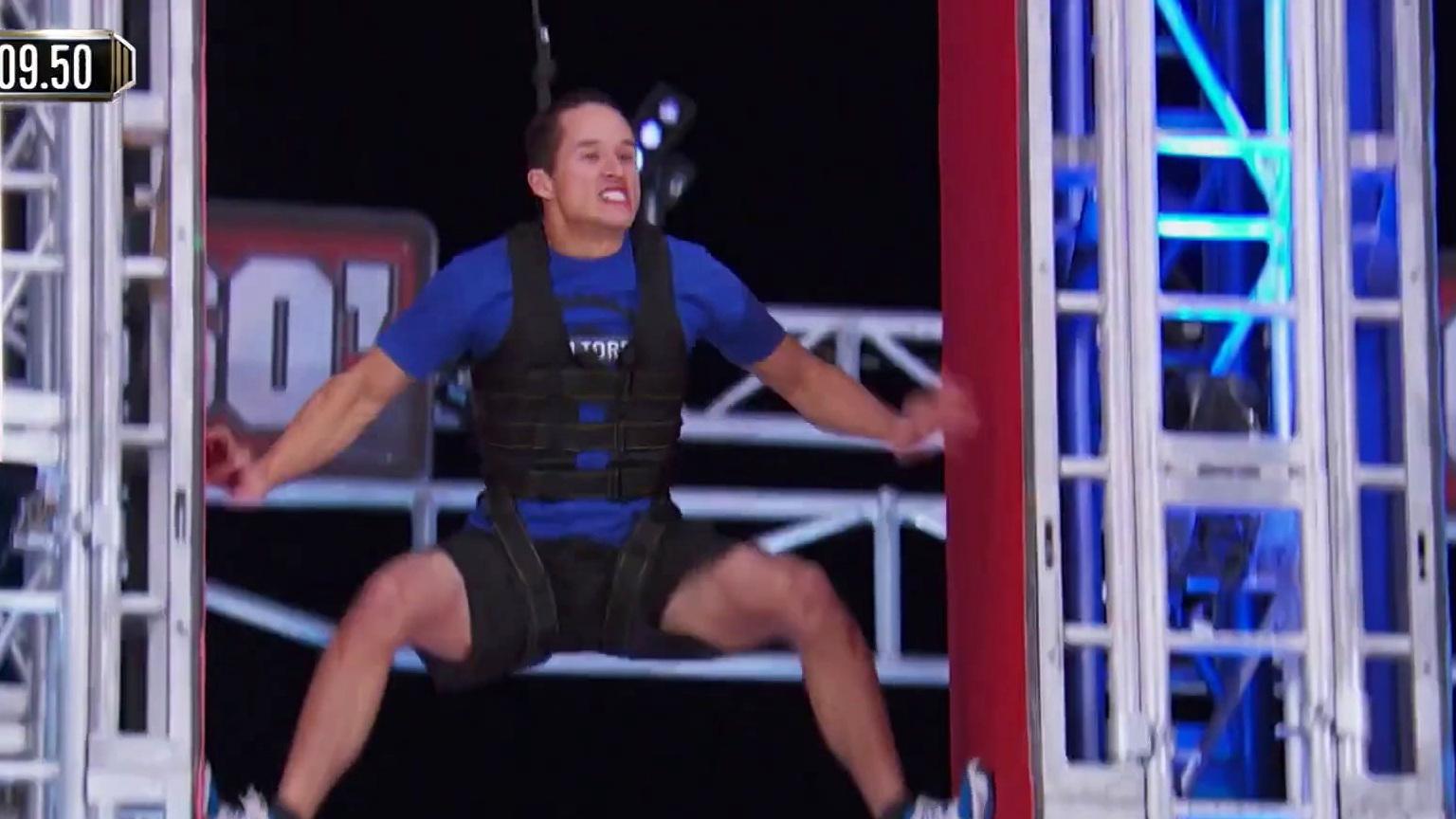 American Ninja Warrior: Michael Torres Vs. Ethan Swanson: Mega Spider Climb