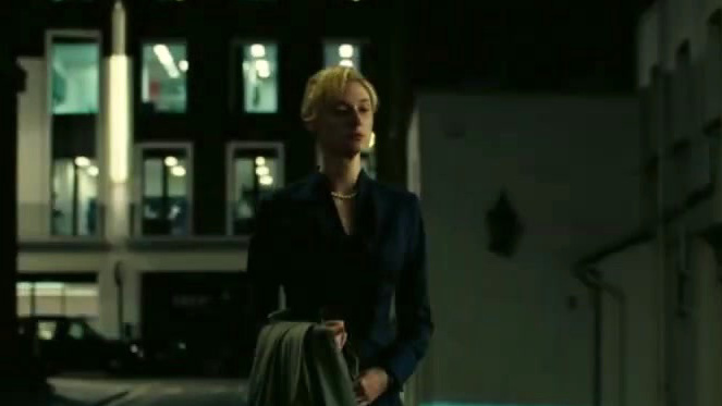 Tenet: Elizabeth Debicki (International Featurette)