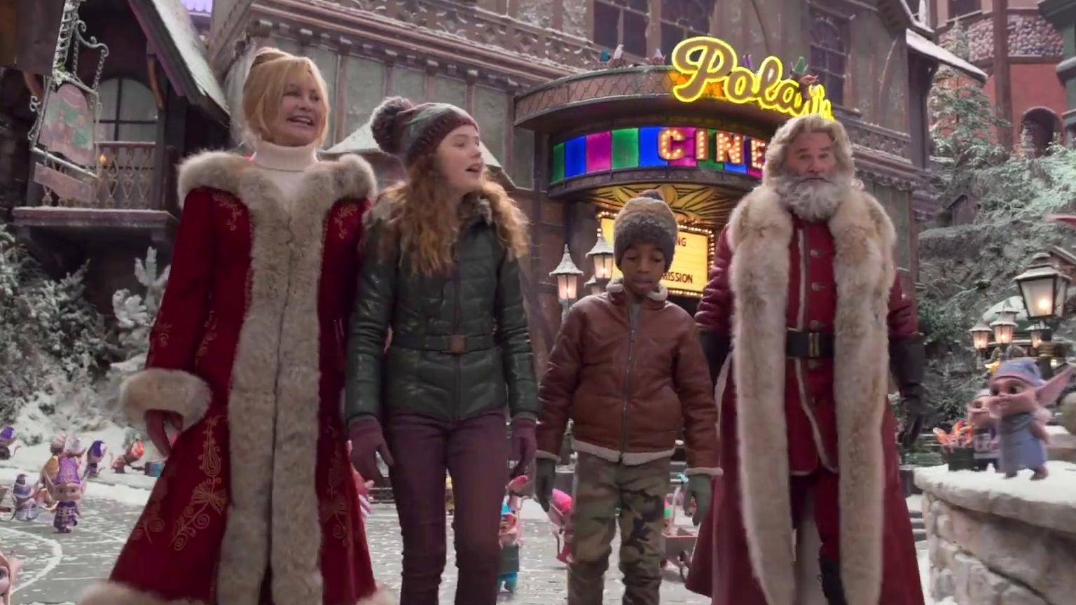 The Christmas Chronicles 2: Touring Santa's Village