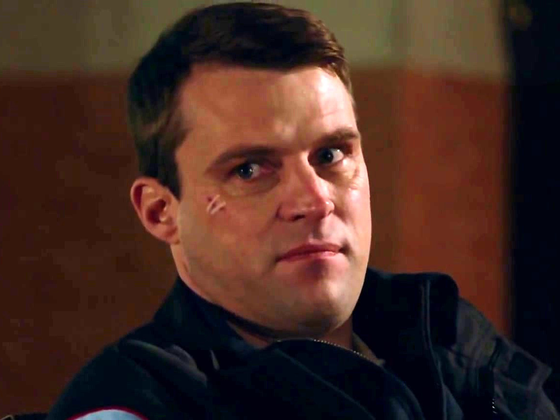 Chicago Fire: Casey Tells Severide About His Kiss With Brett