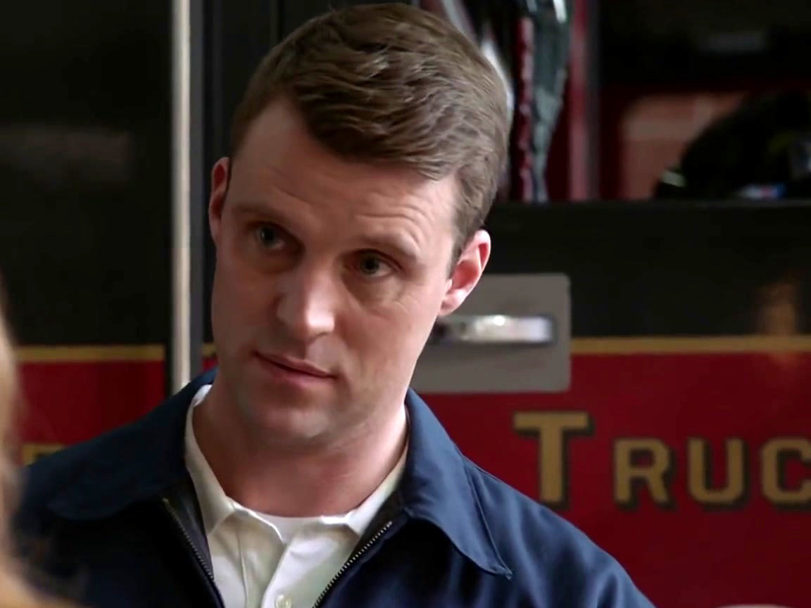 Chicago Fire: Brett Notices Casey Take a Woman's Number