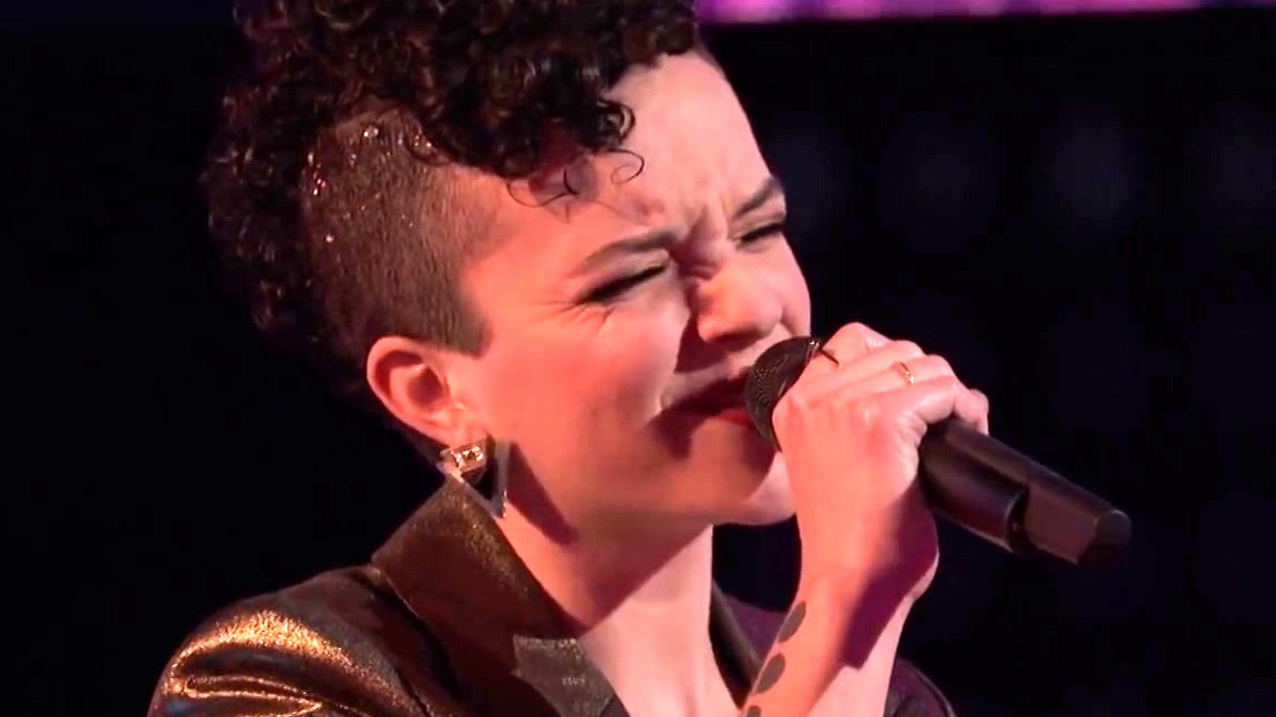 The Voice: Gihanna Zoe Vs. Halley Greg