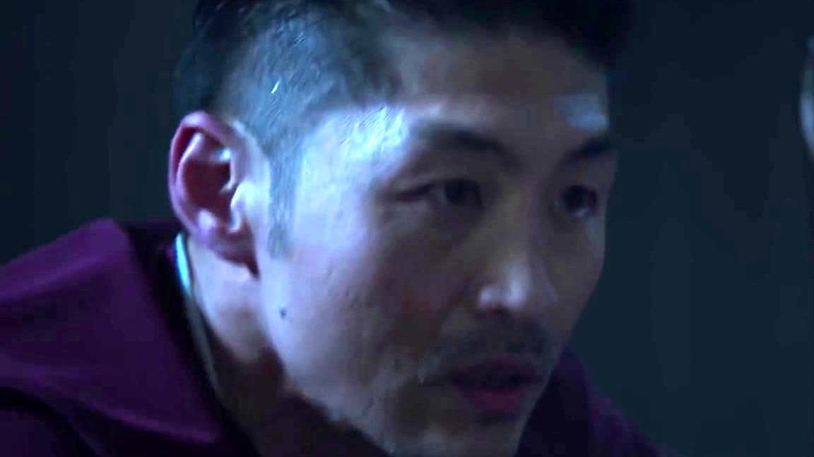 Chicago Med: Choi Pushes Archer In Order To Save A Patient