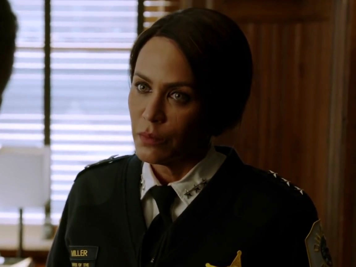 Chicago P.D.: Things Get Heated With Voight And Sam Miller