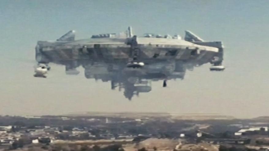 District 9: Aliens Arrival