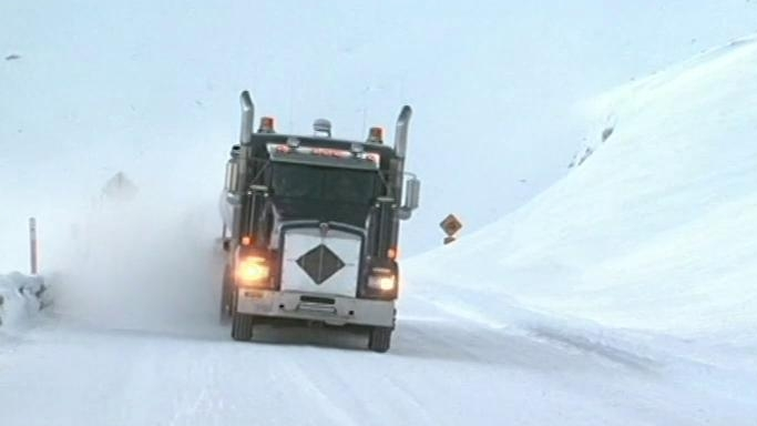 Ice Road Truckers: Trapped On Thin Ice