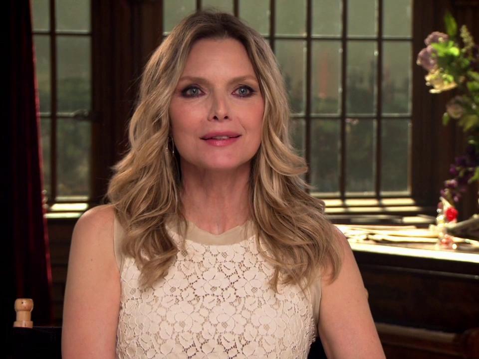 Dark Shadows: Michelle Pfeiffer On The Collins Family