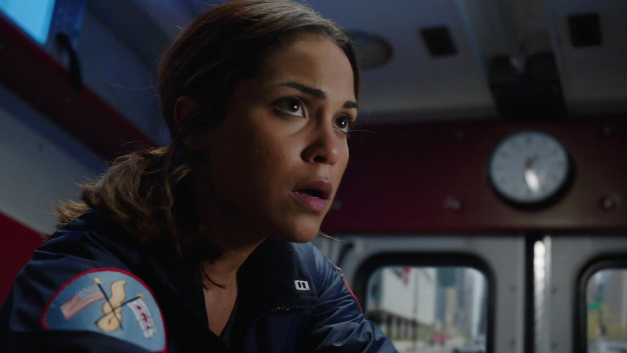 Chicago Fire: Dawson And Shay Rush To The Hospital