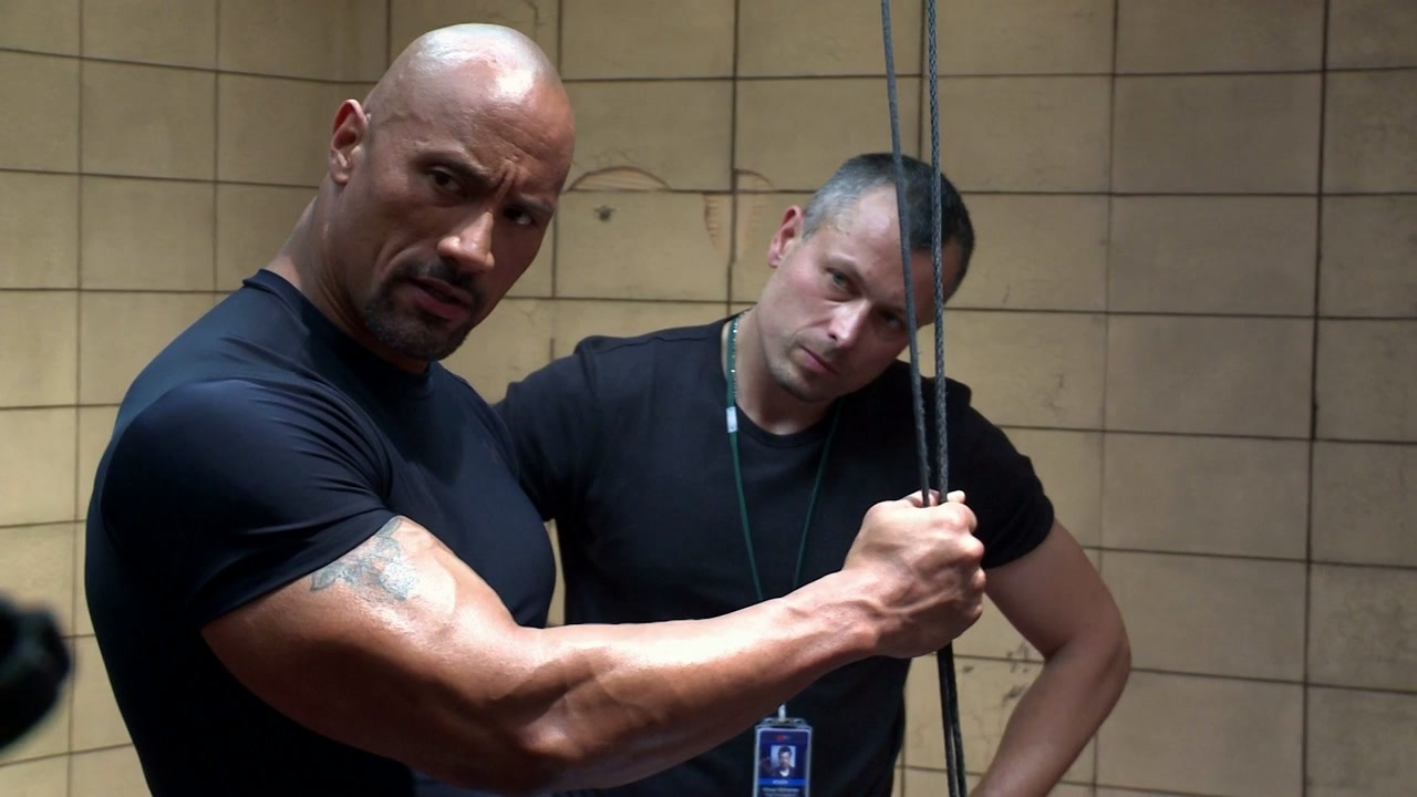 Fast & Furious 6: Fast Fights (Featurette)